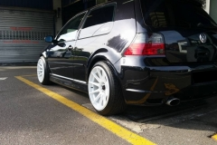 VW_Golf_R32_black_1