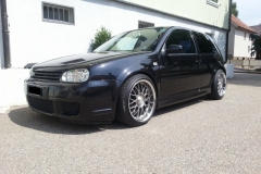 VW_Golf_R32_black_3